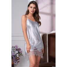 Короткая ночная сорочка с нежным кружевом